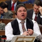 加拿大联邦体育部长曝性丑闻 辞去部长职务