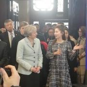 江疏影的英语太厉害 竟然去给英国首相做翻译?