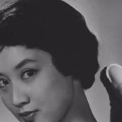 她是东方赫本,美过林青霞,是第一位金马影后、玉女掌门和走向国际的华人演员||十点她言