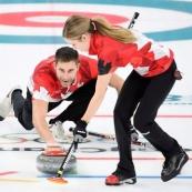 加拿大夺得平昌冬奥男女混合冰壶金牌