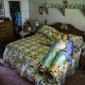 镜头记录美国各类人群卧室私密场景
