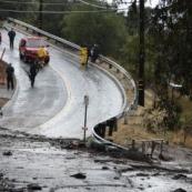 南加州暴雨触发泥石流 致13人死亡