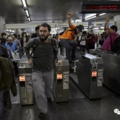 "Question:在纽约,""搭霸王地铁""算不算严重罪行?"