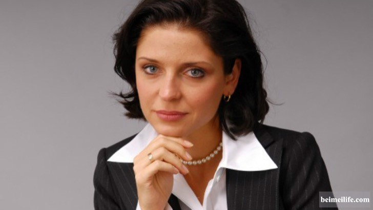 19-sizzling-and-stunning-female-politicians-in-the-world_2.jpg