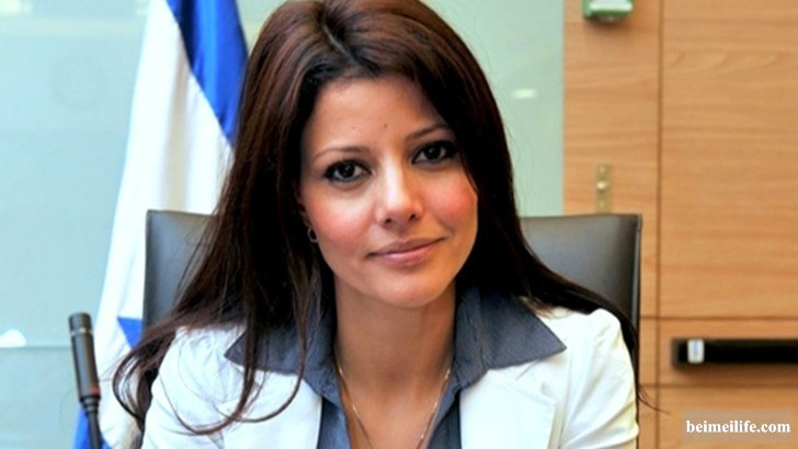19-sizzling-and-stunning-female-politicians-in-the-world_4.jpg