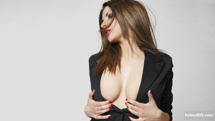 19-sizzling-and-stunning-female-politicians-in-the-world_5.jpg