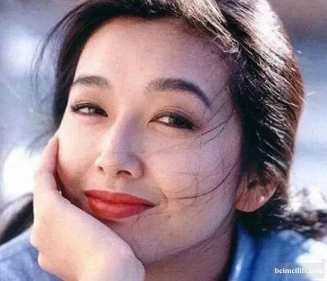 23年前,她红遍全国,却离婚出国,如今50岁归来成张嘉译死对头 ... ...