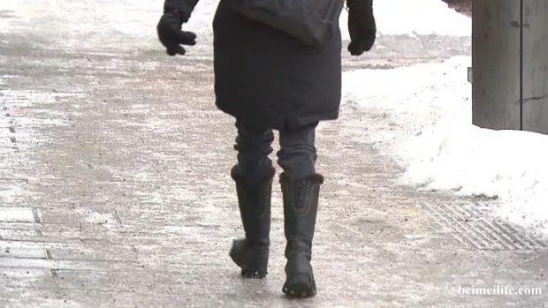 冬季回暖,防滑最重要,跌倒了不得了!