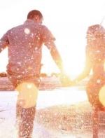 【今日美文朗读】我想考验我们的爱情|| Flora Fang VOA英语听力