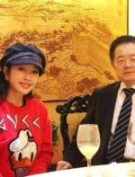刘晓庆晒完76岁老公后 大倒苦水:他们逼我的!