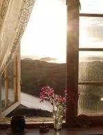 深情岁月:邓芳《对面的窗口还亮着》朗诵  责琀