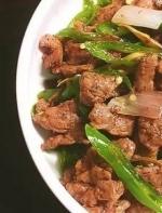 牛肉下锅之前一个小动作,又嫩又好吃!