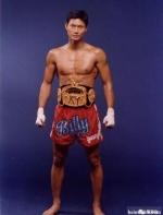 骗子大师遍布武林,50岁华人拳王出山,拯救拳坛风气