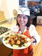 全盲女厨参加世报厨艺大赛,这一幕让在场所有人动容……||世界日报李晗 湾区看世界