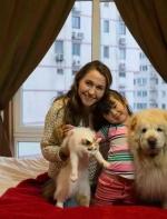 这些外国人收养了无家可归的中国孩子,多年后,他们把孩子养成了这样... ...