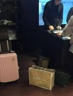 黑五周末,拖着行李箱的中国人挤爆了加拿大outlet!