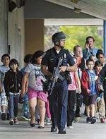 洛杉矶一中学生在教室里开枪!2学生送医