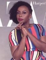 她是女权主义偶像,她的话被Dior印成T恤赢得全世界