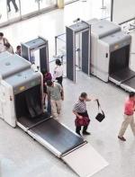 愤怒!美国海关利用职权威胁辱骂中国游客!还恐吓要遣返! ...