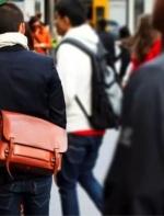 中国男人的斜挎包为什么这么丑?