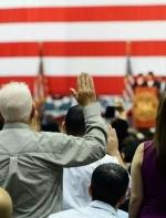 这些事如果发生在美国,入籍者将被直接撤销公民身份!