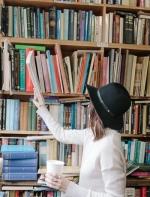 女孩子读书有什么好处?这是点赞最高的答案