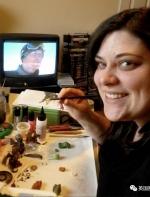 她辞掉工作跑去玩陶土…创造出了一整个精灵童话世界啊!