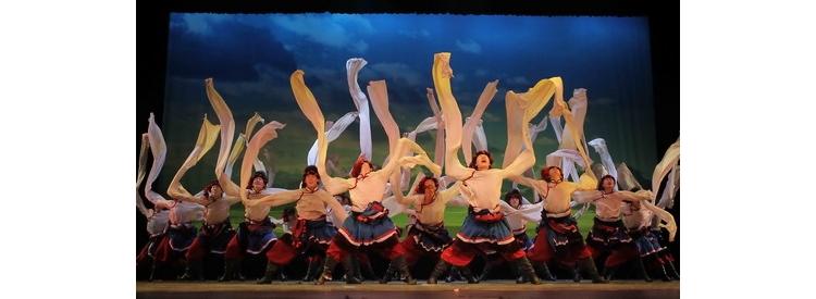 中央民族大学藏族舞蹈《翻身农奴把歌唱》