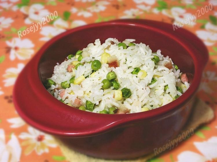 咸肉玉米青豆蒸饭