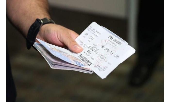 出国注意!到机场不能登机 护照未到期也无效