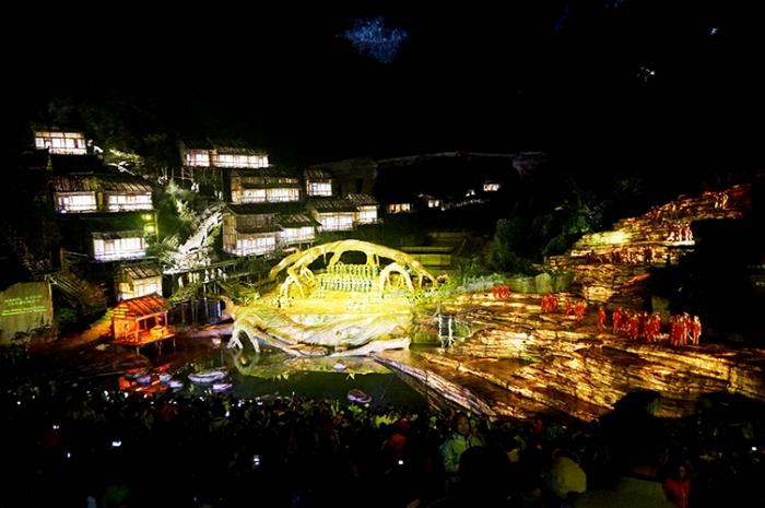 全球华人观看山水实景《天门孤仙》超震撼演出,打造张家界旅游文化新名片 ... ... ...