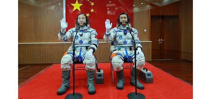 两名航天员在太空吃什么玩什么?这十个问题你肯定想了解