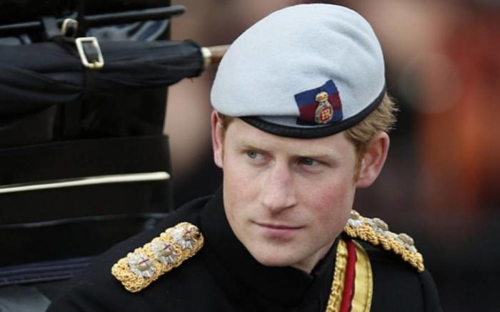 英媒齐爆哈里王子姐弟恋,黑人血统,离异、大尺度女星!人民震惊!威廉  ... ...