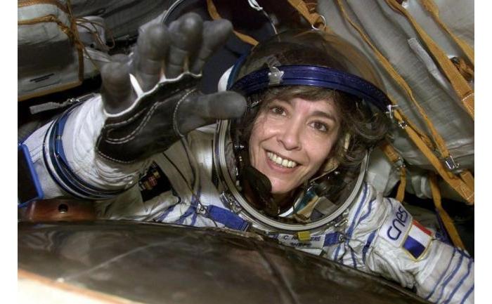法国第一位女性宇航员自杀前曾预言外星人将入侵地球?