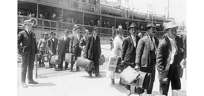美国在100年前出台的移民禁令是怎样的?